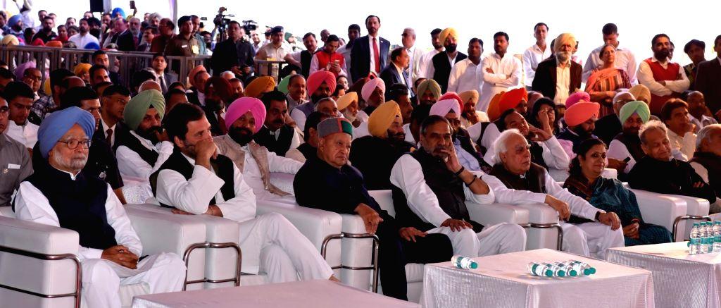 Former Prime Minister Manmohan Singh, Congress Vice President Rahul Gandhi, Himachal Pradesh Chief Minister Virbhadra Singh, senior party leaders Anand Sharma, Ashok Gehlot and Kapil ... - Manmohan Singh, Rahul Gandhi, Virbhadra Singh, Anand Sharma and Amarinder Singh