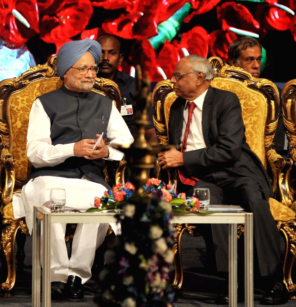 Former Prime Minister of India Manmohan Singh and former RBI Governor C Rangarajan during inauguration of academic session of Bengaluru Dr. B R Ambedkar School of Economics on Oct 4, 2017. - Manmohan Singh