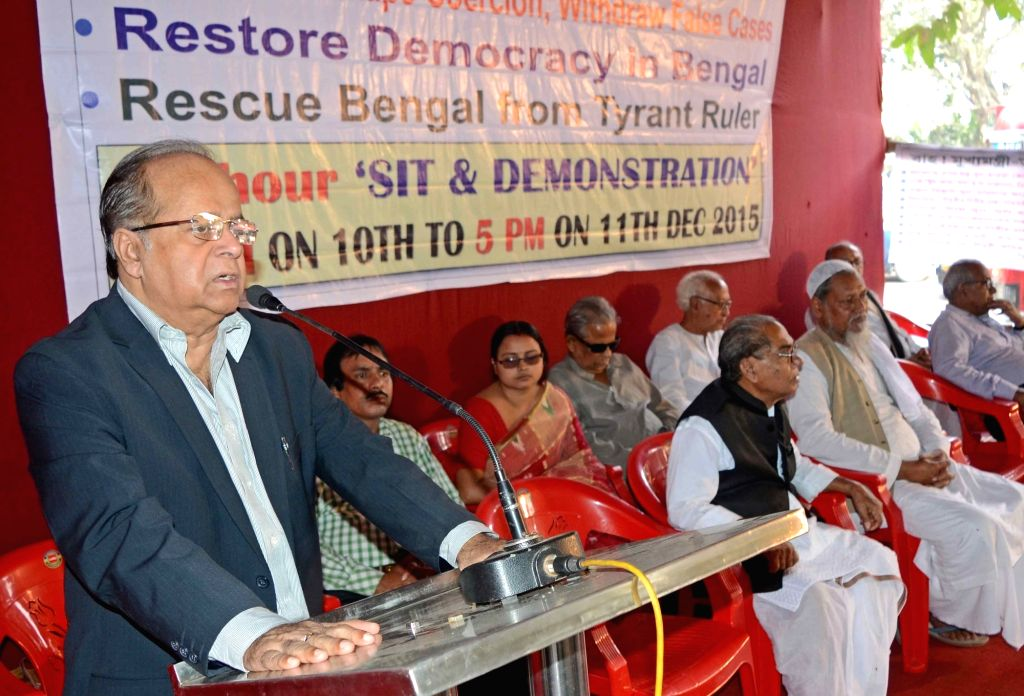 Former Supreme Court judge Justice Asok Kumar Ganguly addresses during a programme organised to observe International Human Rights Day in Kolkata, on Dec 10, 2015.
