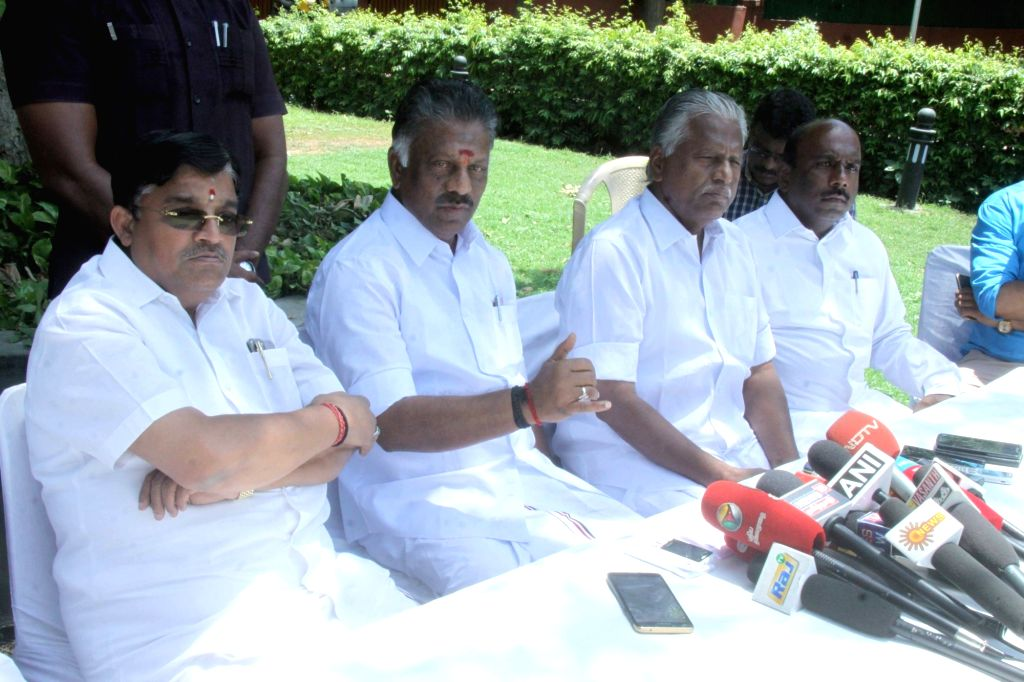 Former Tamil Nadu Chief Minister O Panneerselvam addressing the media in New Delhi on May 19, 2017. - O Panneerselvam