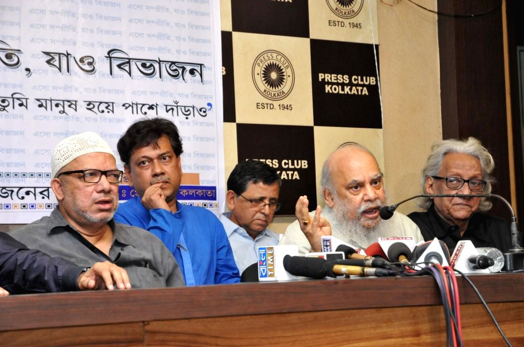 Former Trinamool Congress MP Kabir Suman, artist Subhaprasanna and poet Joy Goswami during a press conference at Intellectuals meet held at Press Club, Kolkata on April 4, 2018. - Subhaprasanna and Goswami