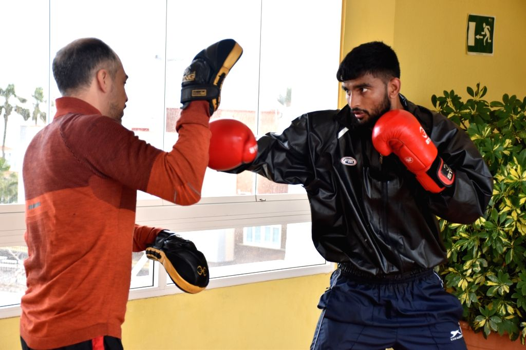 Fourteen elite Indian boxers, including six-time world champion M.C. Marykom, on Monday began preparation for the Boxam International Tournament beginning on Tuesday in Castellon, Spain, with two ...