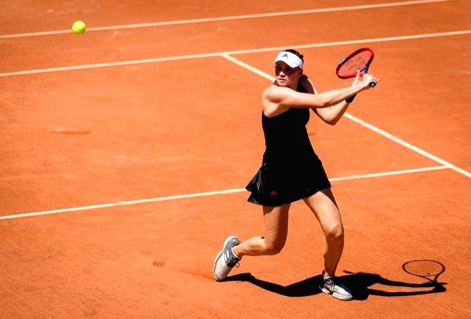 French Open: Kazakh Elena shocks Serena, enters quarterfinals (Ld)