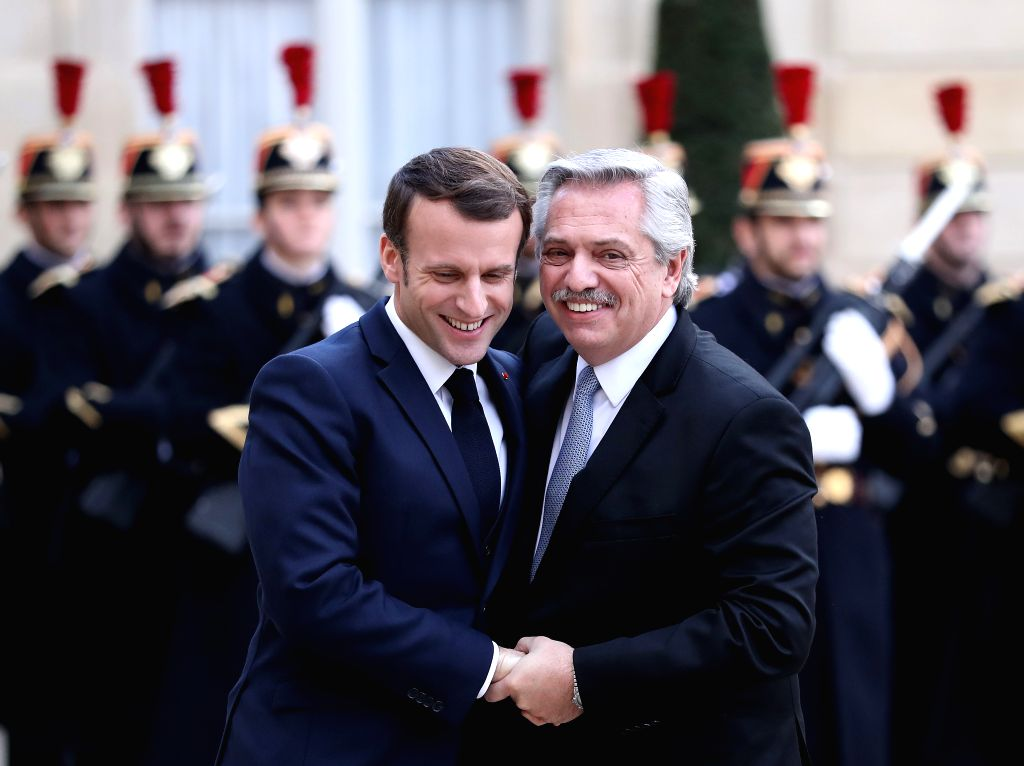French President Emmanuel Macron (L) meets with visiting Argentine President Alberto Fernandez at the Elysee Palace in Paris, France, Feb. 5, 2020.