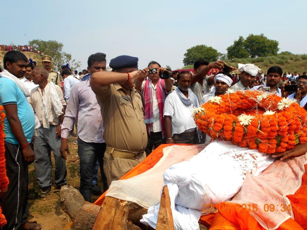 Funeral of CRPF jawan Rajesh Kumar underway at Meja near Allahabad on June 27, 2016. - Rajesh Kumar