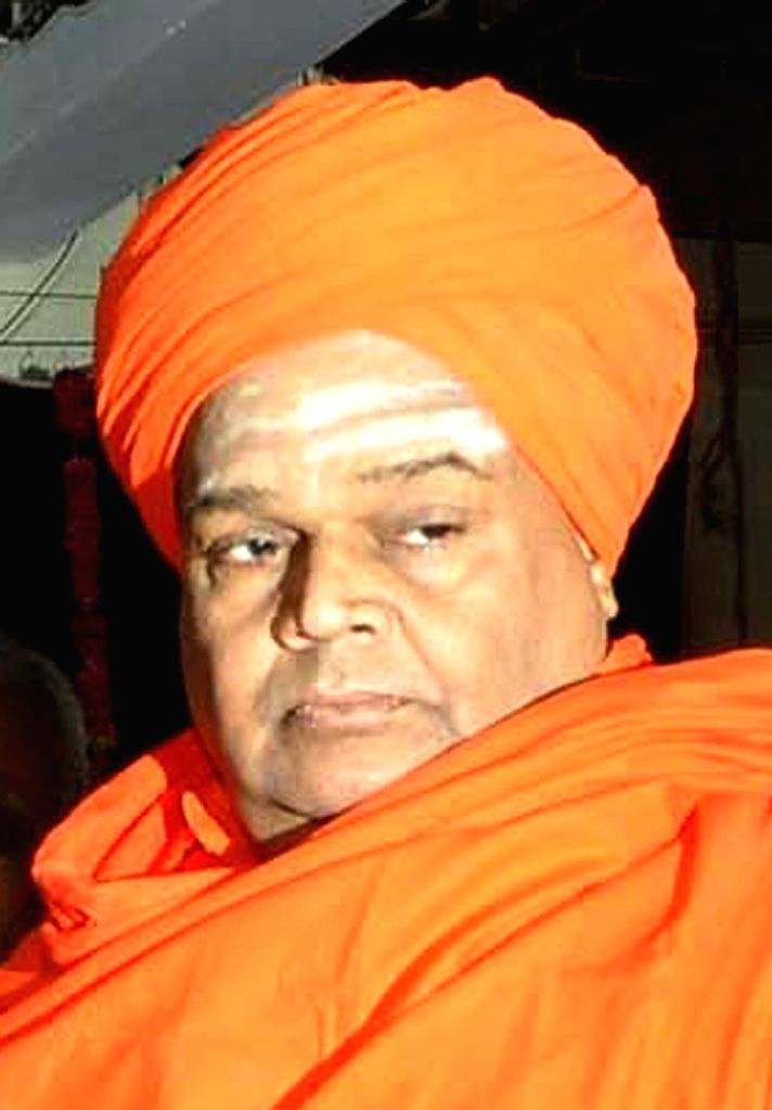 : Gadag: Tontadarya Mutt in-charge Tontadarya Siddalinga Swami who passed away in Karnataka's Gadag, on Oct 20, 2018. (File Photo: IANS).