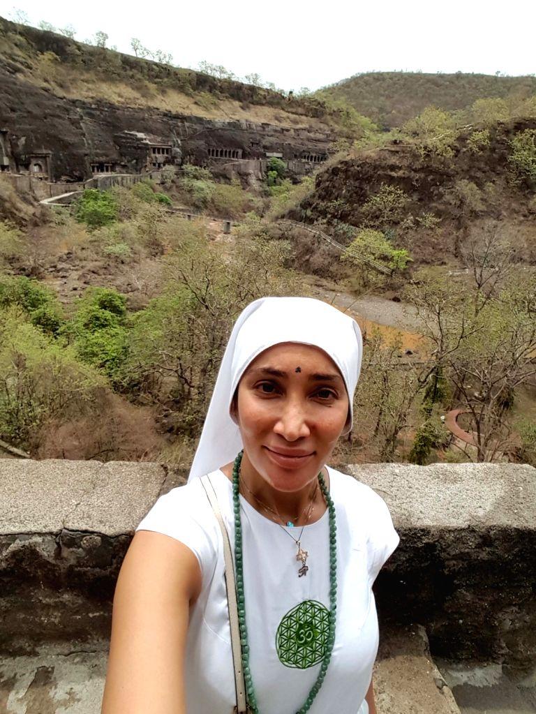 Gaia Mother Sofia -former model Sofia Hayat- visits Ajanta Ellora  in Aurangabad of Maharashtra. - Sofia Hayat