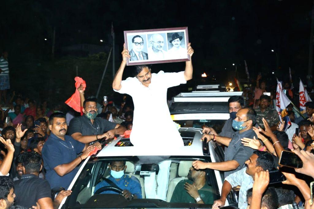 Gandhi Jayanti, Pawan Kalyan uses road rage to target ruling YSRCP in Andhra Pradesh