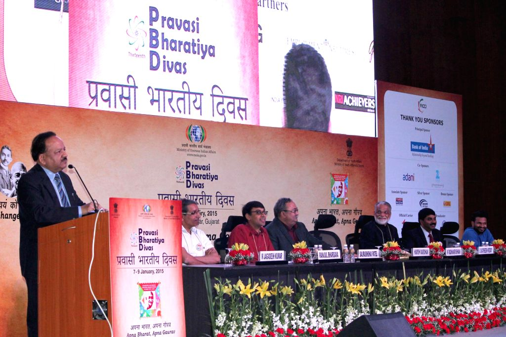 The Union Minister for Science & Technology and Earth Sciences, Dr. Harsh Vardhan addresses at the Plenary Session II of Youth Pravasi Bharatiya Divas 2015, in Gandhinagar, Gujarat ..