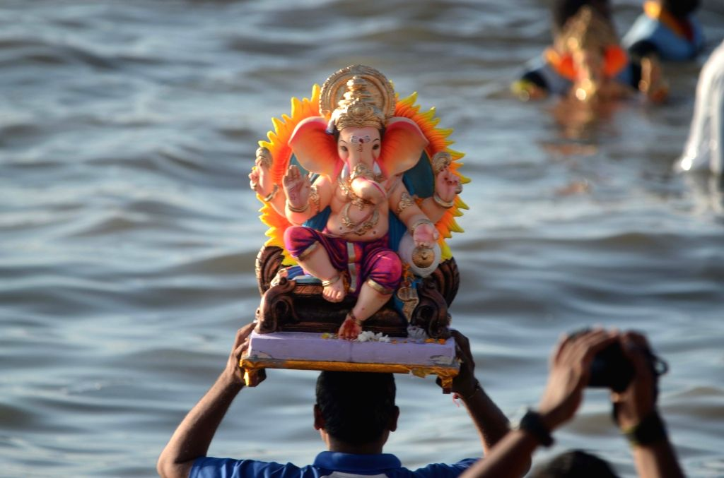 Ganesh idol immersions underway at Arabian Sea in Mumbai on Sept 17, 2018.