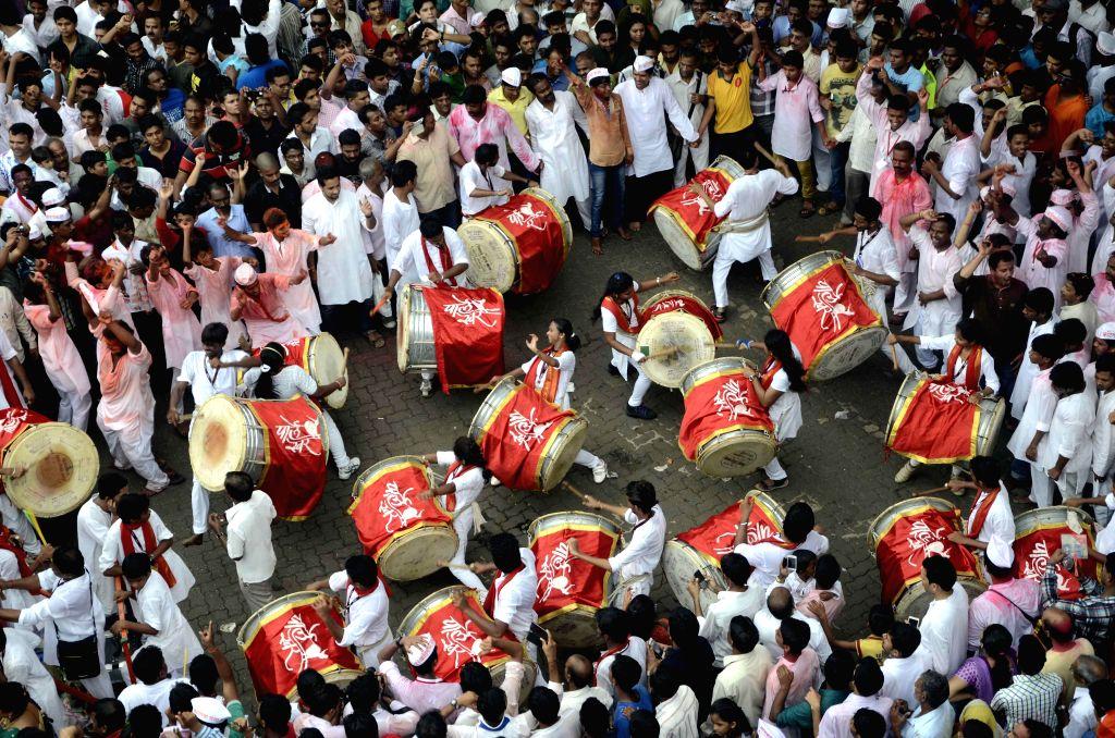 Ganesh idol immersions underway in Mumbai on Sept 8, 2014.
