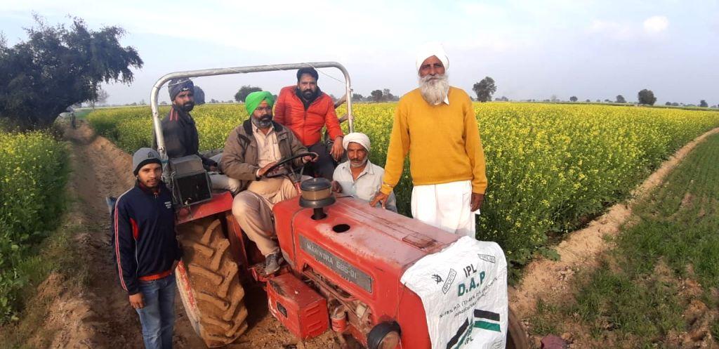Ganganganar: Farmers in fields doing self defence practices to shoo away locust menace in Ganganganar City, Rajasthan on Jan 18, 2020. (Photo: IANS)