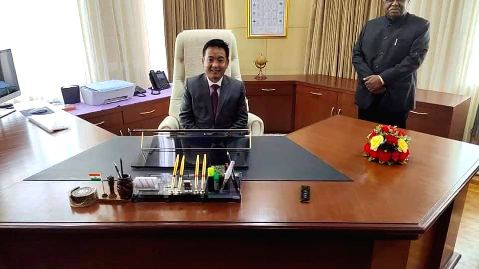 Gangtok: Newly elected Sikkim Chief Minister Prem Singh Tamang takes charge, at Tashiling Secretariat in Gangtok on May 27, 2019. (Photo: IANS) - Prem Singh Tamang