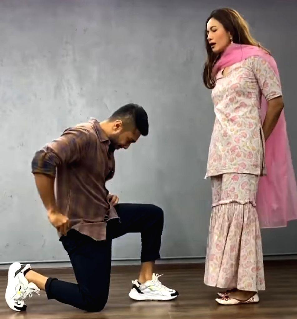 Gauahar Khan denies rumours of marriage with Ismail Darbar's son. - Gauahar Khan