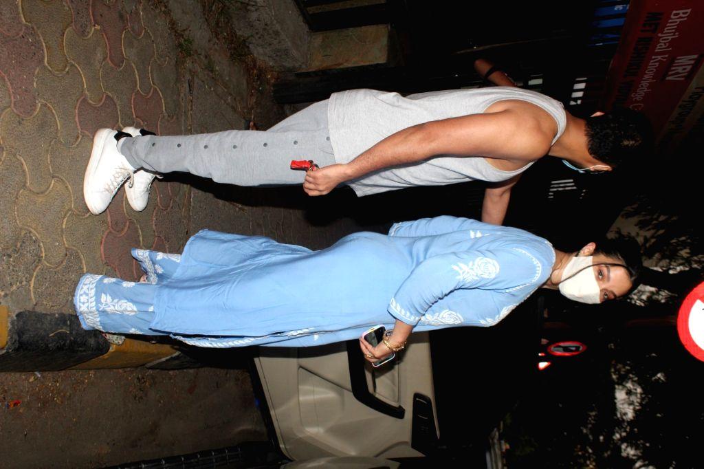 Gauhar Khan & Zaid Darbaar Spotted at Bandra On Monday, 31 May, 2021. - Gauhar Khan