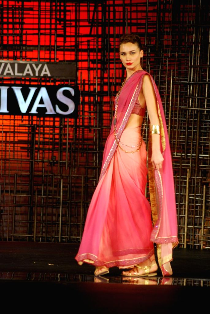 Gauri, Nainika and JJ Valaya Showcase at Chivas Tour at Grand Hyatt.