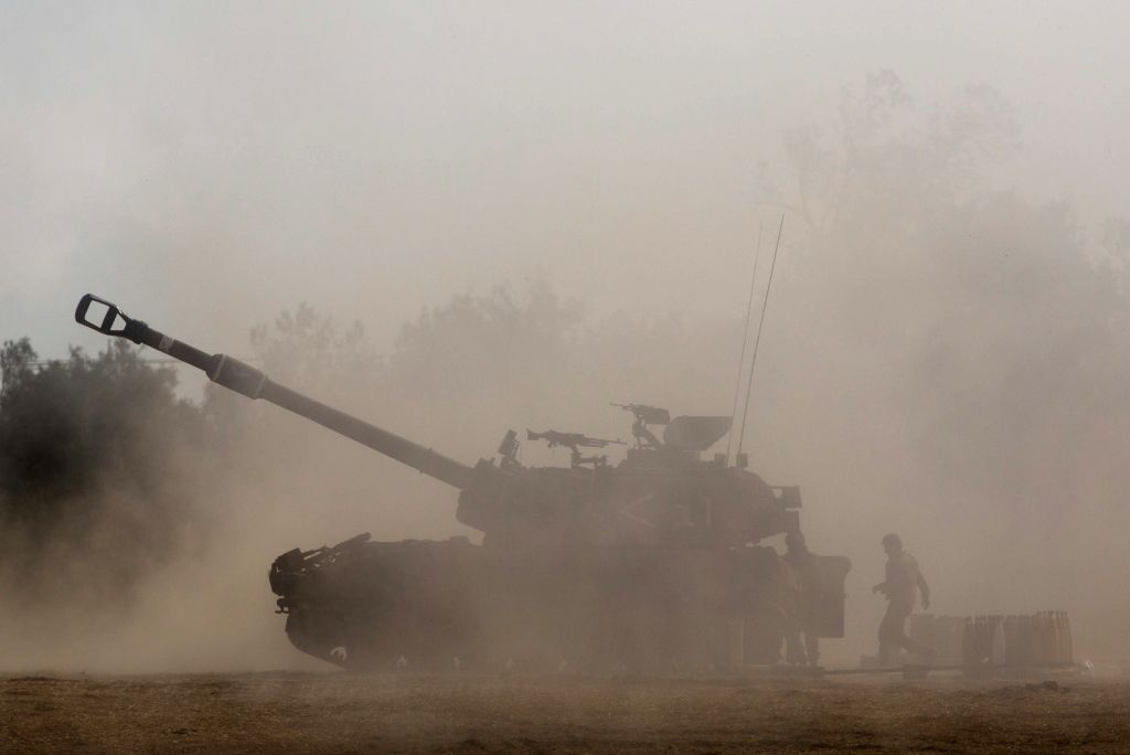 An Israeli 155mm M109 Dores self-propelled howitzer is positioned in Southern Israel near the border with Gaza, on the fifth day of Operation Protective Edge, .. - Moshe Y