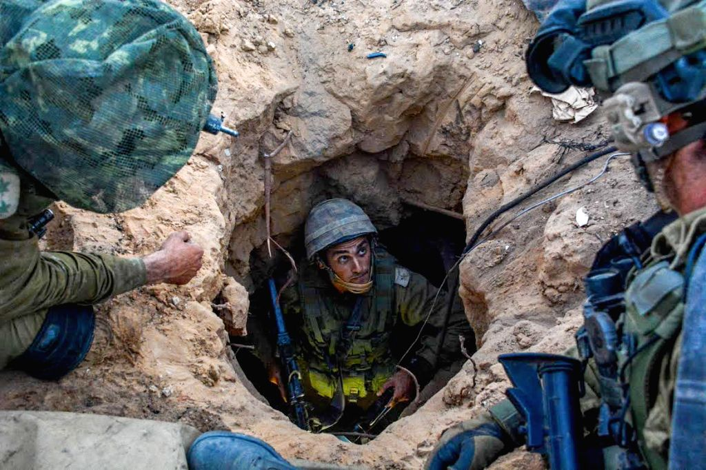 Israeli soldiers from the Givati brigade discover the entrance to a tunnel believed to belong to Hamas in southern Israel near the border with Gaza, on the 16th - Benjamin Netanyahu