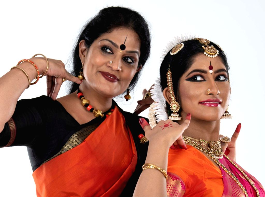 Geeta Chandran, Sowmya Laxmi.