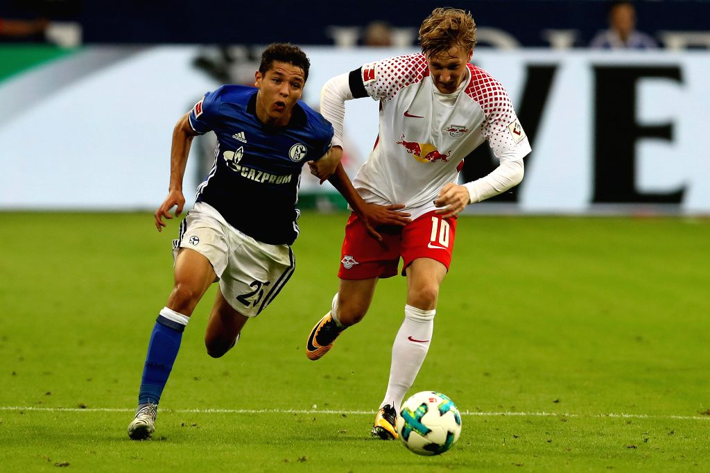 GELSENKIRCHEN, Aug. 20, 2017 - Schalke's Amine Harit(L) and Leipzig?s Emil Forsberg vie for the ball during the German First division Bundesliga football match between FC Schalke 04 and RB Leipzig in ...