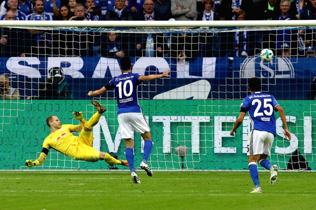 GELSENKIRCHEN, Aug. 20, 2017 - Schalke's Nabil Bentaleb(C) scores during the German First division Bundesliga football match between FC Schalke 04 and RB Leipzig in Gelsenkirchen, Germany, on August ...