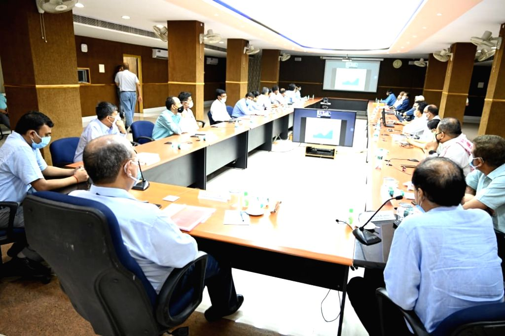General Manager of East Central Railway gave instructions to complete the construction projects within the stipulated time.