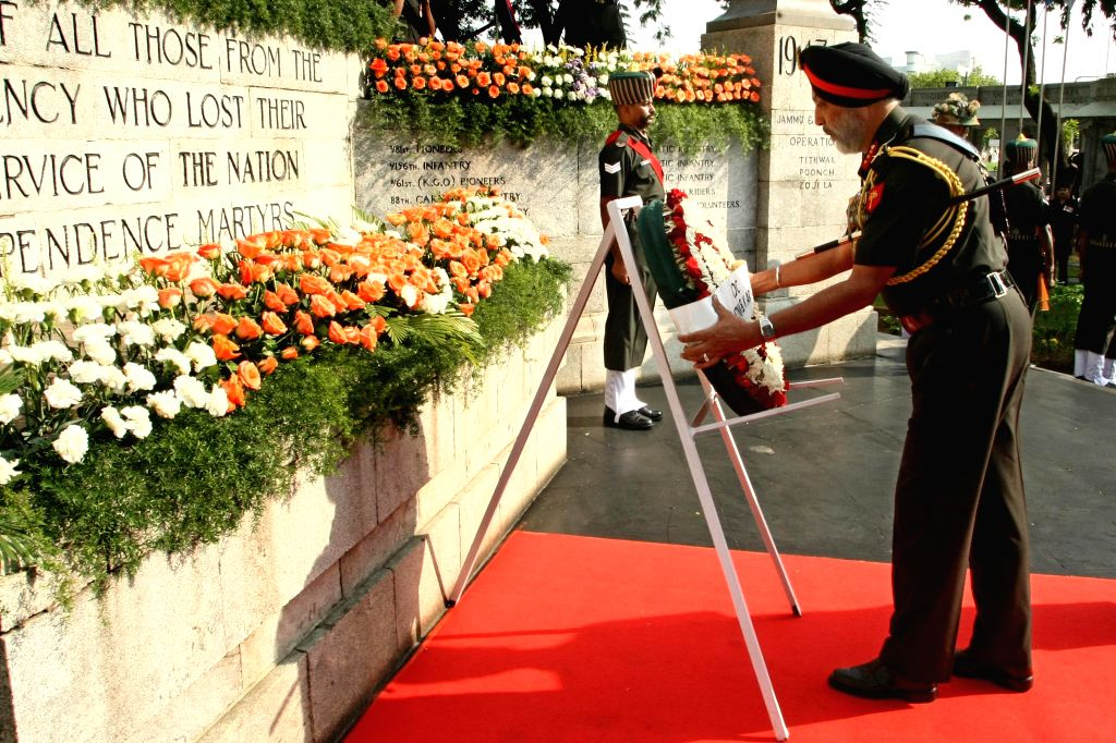 General Officer Commanding Andhra, Tamil Nadu, Karnataka and Kerala (ATNK&K) Area lays wreath at Victory War Memorial to pay homage to the war heroes on 68th Independence day in Chennai on Aug ...