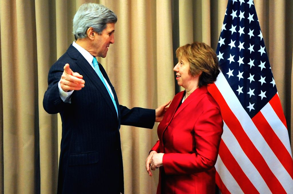 US Secretary of State John Kerry (L) meets with EU foreign policy chief Catherine Ashton in Geneva, Switzerland, April 17, 2014. John Kerry and Catherine Ashton met