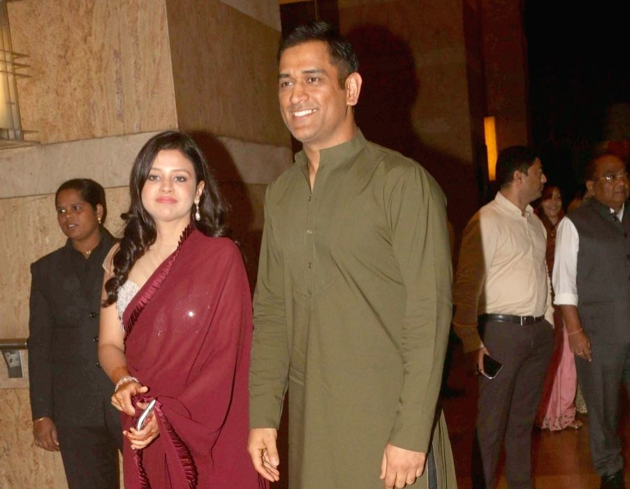 Get a life: Sakshi quashes rumours of MS Dhoni's retirement