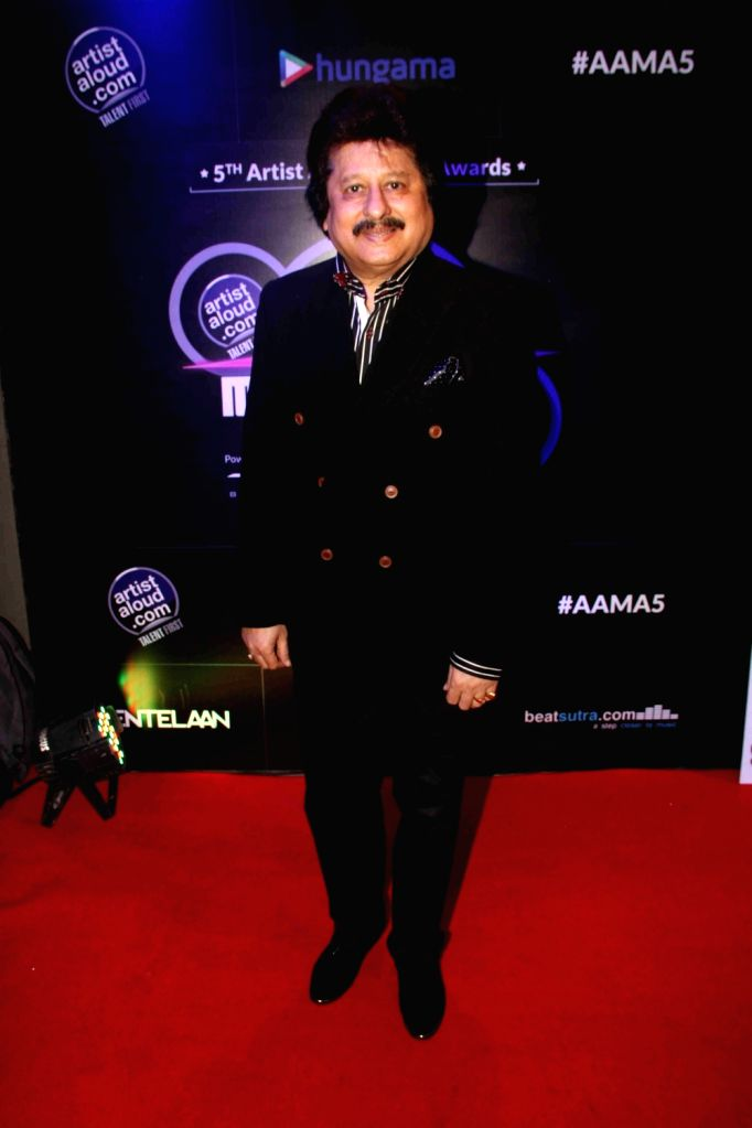 Ghazal singer Pankaj Udhas during the 5th Artist Aloud Music Awards 2016 in Mumbai on April 20, 2016. - Aloud Music Awards