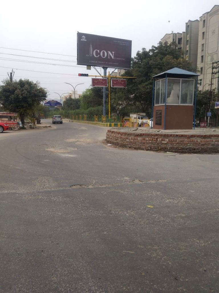 Ghaziabad roads bear a deserted look during restrictions imposed in the wake of increasing cases of COVID-19 (coronavirus), on March 21, 2020.