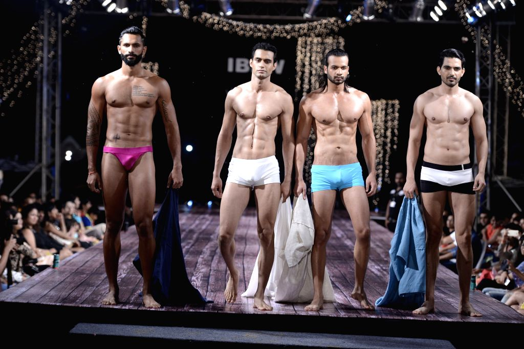 GIBFW S2 - Grand Finale Designer, Wendell Rodricks - Beach & Resort Wear