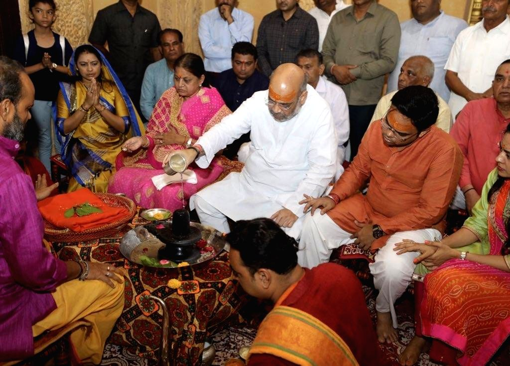 Gir Somnath: BJP chief Amit Shah offers prayers at Somnath Temple near Veraval in Gir Somnath district of Gujarat, on May 18, 2019. - Amit Shah