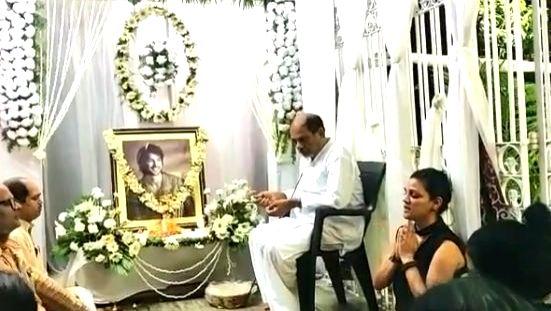 #GlobalPrayersForSSR trends, Ramdev does havan, Ankita calls late actor Miracle-Man - Miracle-Man