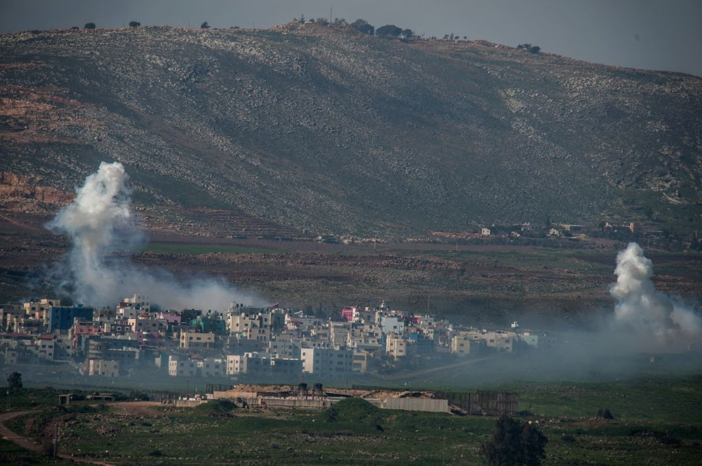 Heavy smoke rises from Lebanese town of Al-Majidiyah after Israeli aerial and ground strikes as a counterattack of an anti-tank missile attack of an Israeli ..