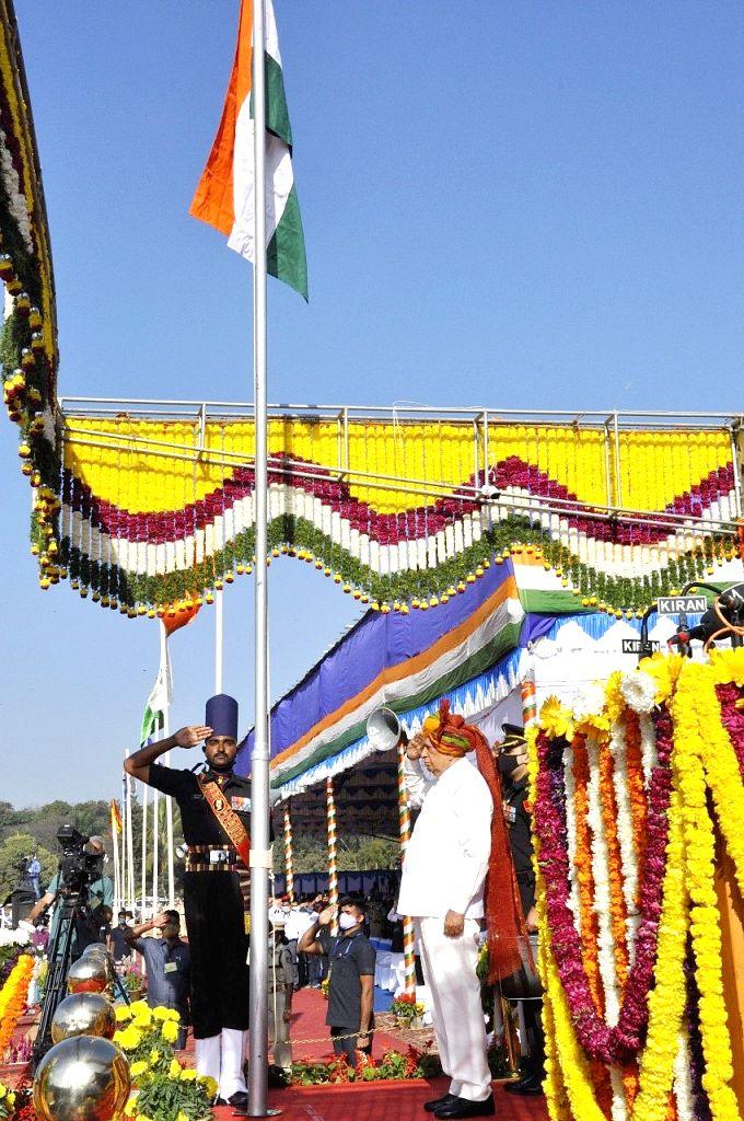 Governor of Karnataka Vajubhai Vala hoists the National Flag on the 72nd Republic Day celebrations at Manekshaw Parade Grounds, in Bengaluru on Tuesday,26 January 2021