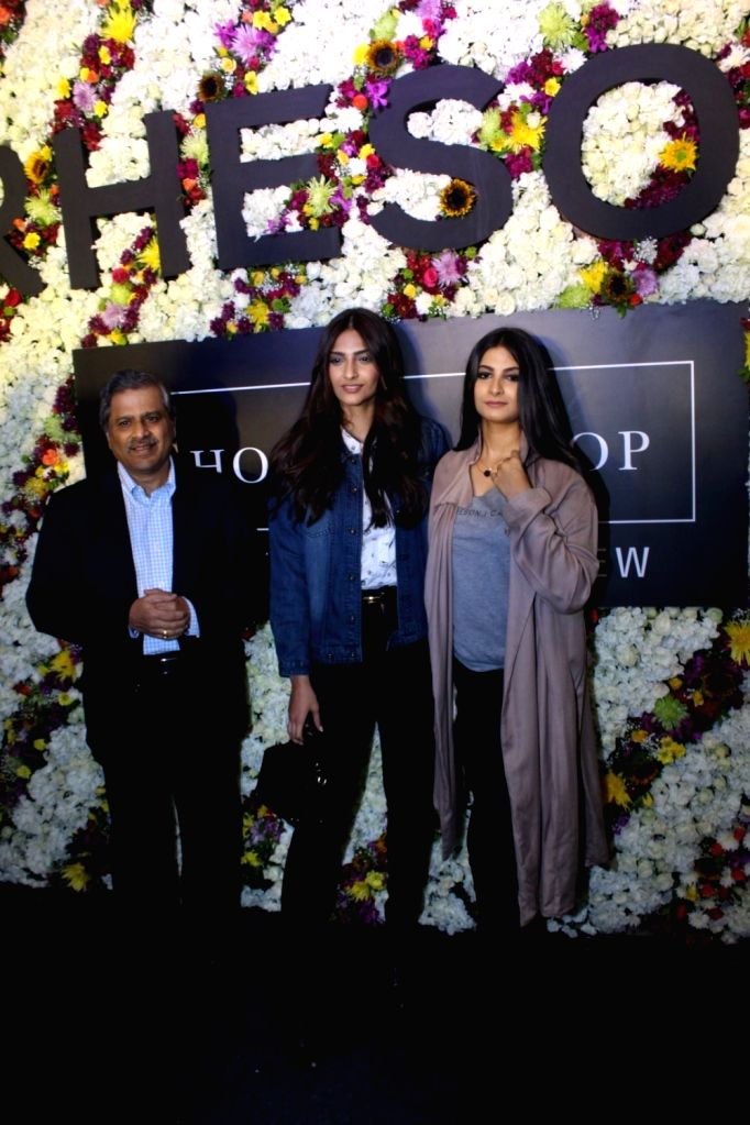 Govind Shrikhande, MD Shoppers Stop with actress Sonam Kapoor with her sister and filmmaker Rhea Kapoor during the launch of Rheson, a clothing brand in Mumbai on May 12, 2017. - Sonam Kapoor