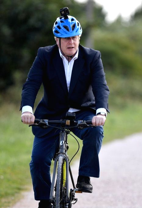 Goyal cites UK PM's cycle ride to show ???Made-in-India' pride