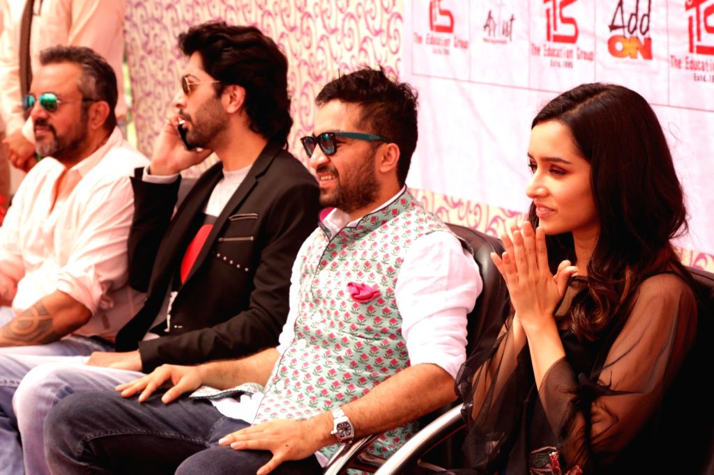 "Greater Noida: Actors Siddhanth Kapoor, Shraddha Kapoor, Ankur Bhatia along with director Apoorva Lakhia during a press conference to promote their upcoming film ""Haseena Parkar"" in Greater ... - Apoorva Lakhia, Siddhanth Kapoor, Shraddha Kapoor and Ankur Bhatia"