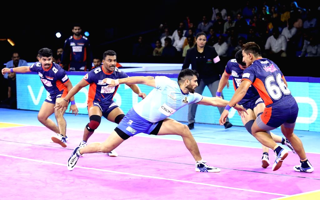 Greater Noida: Players in action during Pro Kabaddi Season 7 match between Bengal Warriors and Tamil Thalaivas at Shaheed Vijay Singh Pathik Sports Complex, Greater Noida on Oct 9, 2019.