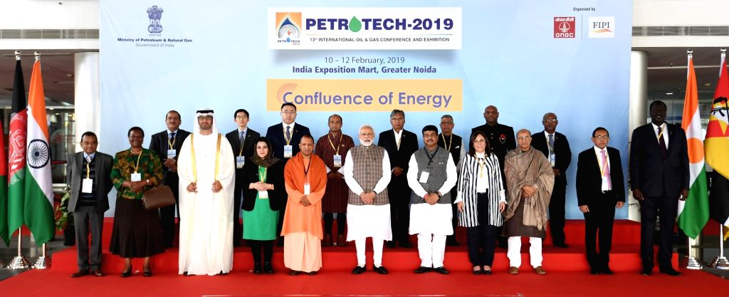 Greater Noida: Prime Minister Narendra Modi, UAE Minister of State and Abu Dhabi National Oil Company (ADNOC) Group CEO Dr. Sultan Ahmed Al Jaber, Union Petroleum Minister Dharmendra Pradhan, Uttar ... - Narendra Modi