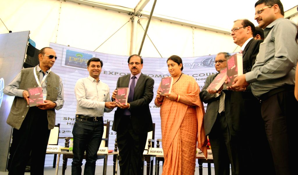Greater Noida: Union Textiles Minister Smriti Irani at the inauguration of the 44th India Handicrafts and Gifts Fair Autumn 2017 in Greater Noida, Uttar Pradesh on October 12, 2017. - Smriti Irani