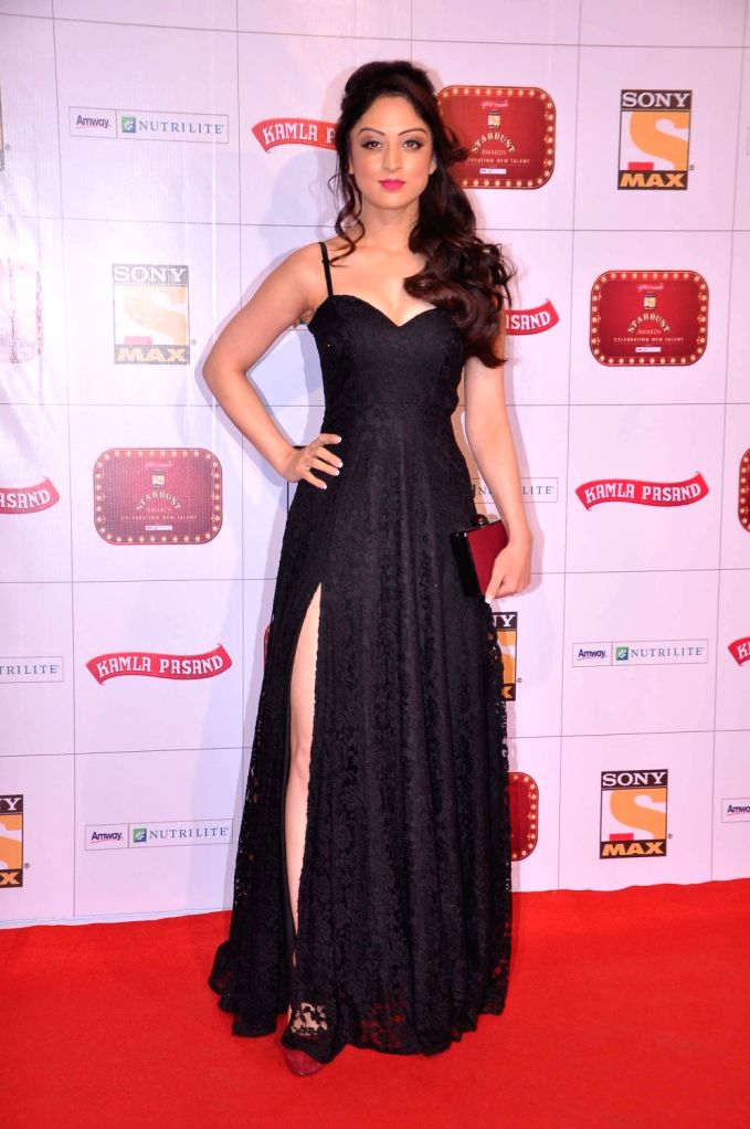 Guest at the red carpet of Stardust Awards at Jan 26 in Mumbai.