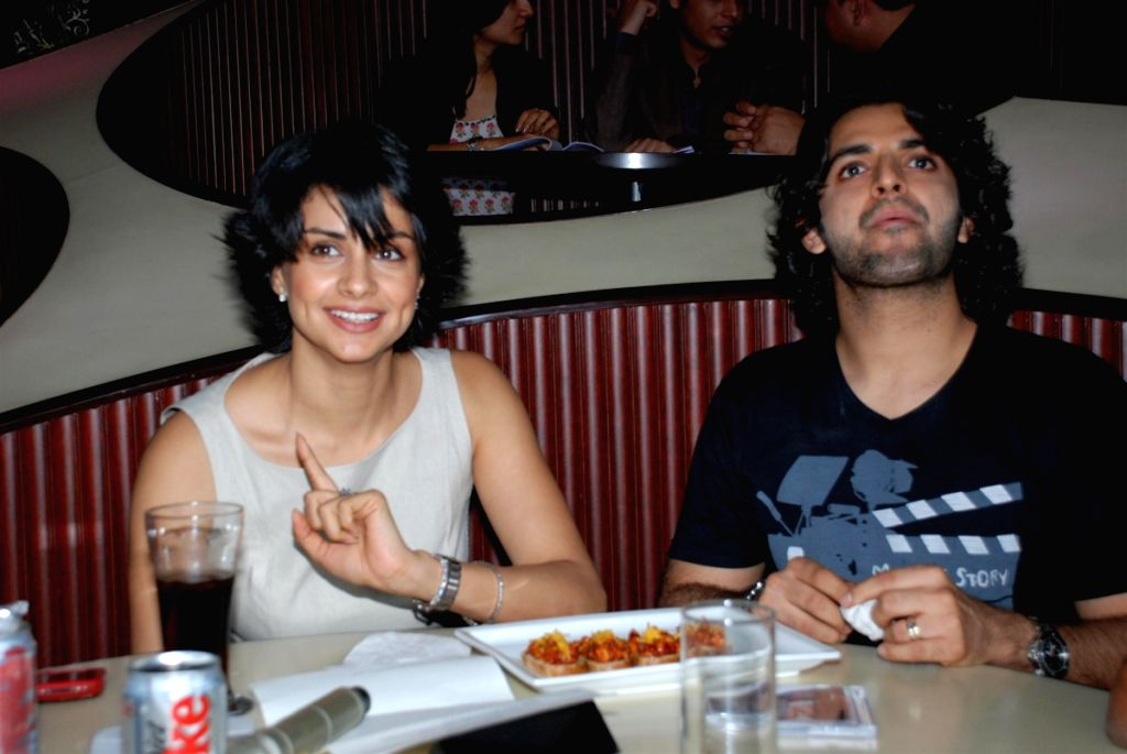 Gul Panag and Siddharth Makkar at Straight film music launch. - Gul Panag