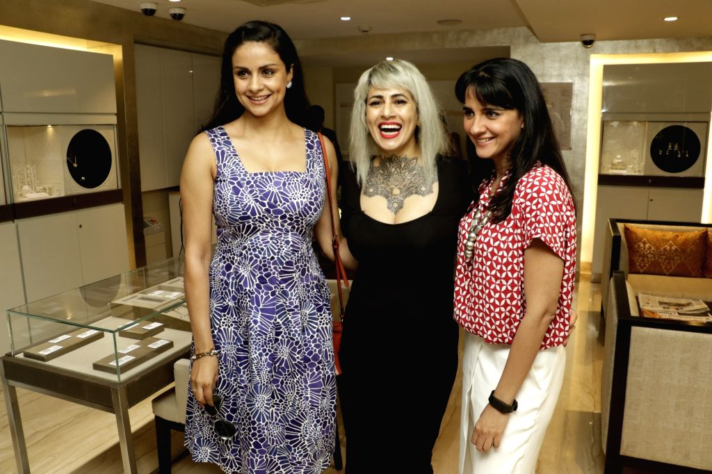 Gul Panag, Sapna Bhavnani and Shruti Seth arrive for a discussion on summer style and beauty trends by Zoya boutique in Mumbai on April 20, 2016. - Gul Panag and Shruti Seth