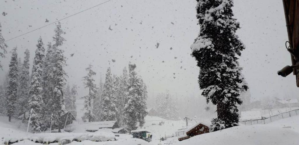 Gulmarg received Fresh snowfall