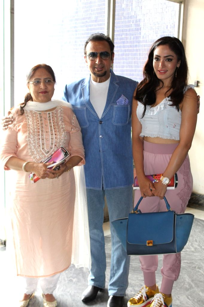 Gulshan Kumar Film and Television Institute of India (GKFTII) Director Sudesh Kumari, actor Gulshan Grover and singer Khushali Kumar at the inaugural programme of the third session of GKFTII, ... - Gulshan Grover, Gulshan Kumar Film and Khushali Kumar