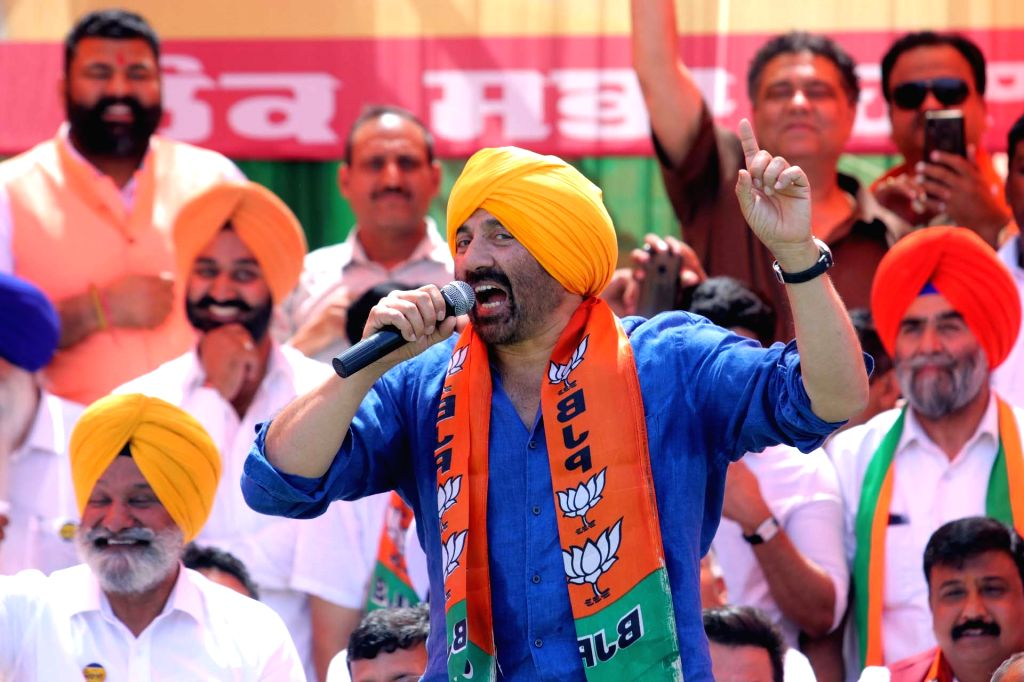 Gurdaspur: BJP candidate for Gurdaspur Lok Sabha seat Sunny Deol during a party rally in Gurdaspur, Punjab on April 29, 2019. (Photo: IANS)