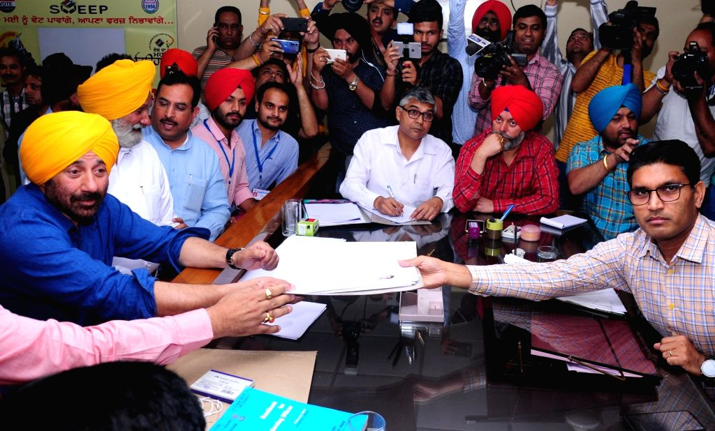 Gurdaspur: BJP's Lok Sabha candidate from Gurdaspur, Sunny Deol files nomination for the forthcoming Lok Sabha elections in Punjab's Gurdaspur, on April 29, 2019. (Photo: IANS)
