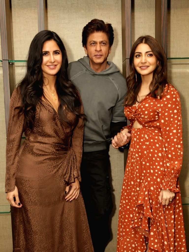 "Gurugram: Actors Shah Rukh Khan, Katrina Kaif and Anushka Sharma during a programme organised to promote their upcoming film ""Zero"" in Gurugram on Dec 17, 2018. (Photo: Amlan Paliwal/IANS) - Shah Rukh Khan, Katrina Kaif and Anushka Sharma"
